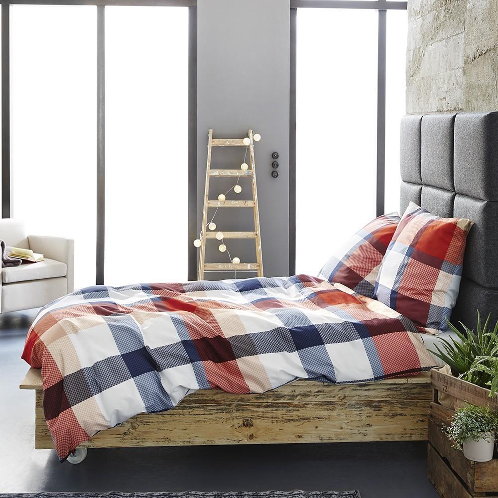 posteljnina iz satena s.oliver - modro rdeča